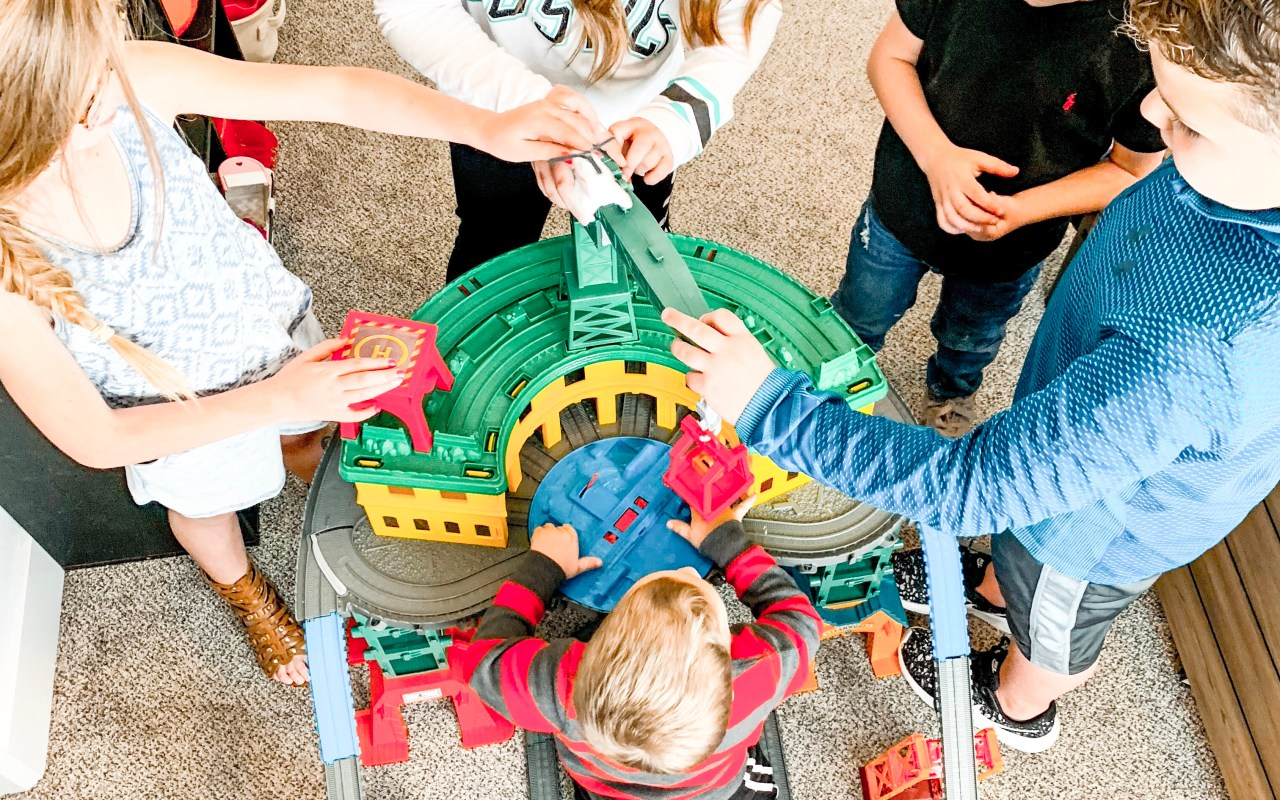 Thomas and Friends Super Station — The Perfect Holiday Gift