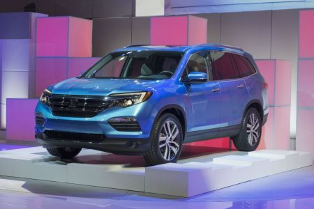 2016 Honda Pilot Makes World Debut at 2015 Chicago Auto Show on Everyman Driver