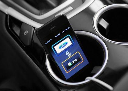 Ford Makes It Easier to Stay Connected with Friends, Family and News on Everyman Driver