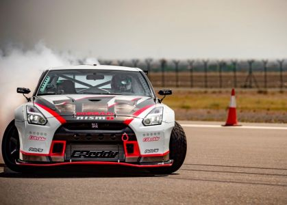 Nissan GT-R Breaks the GUINNESS WORLD RECORDS title for Fastest Drift on Everyman Driver