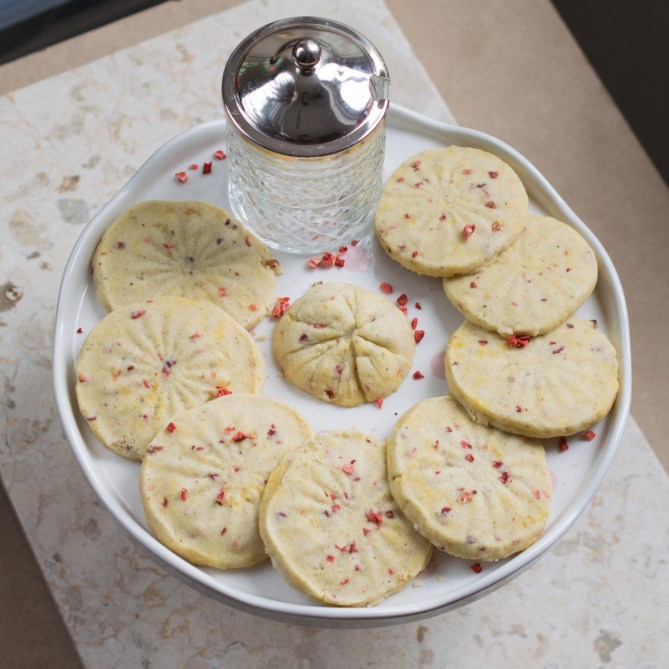 Strawberry Shortbread Biscuits-8