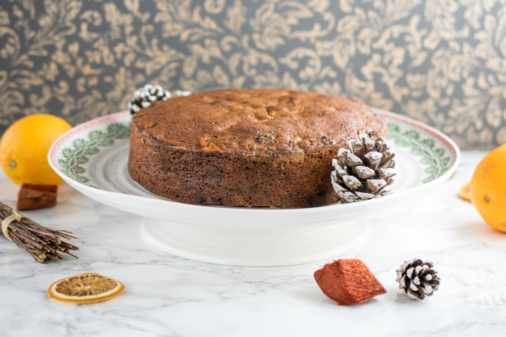 gluten-free-orange-and-cinnamon-fruit-cake-2