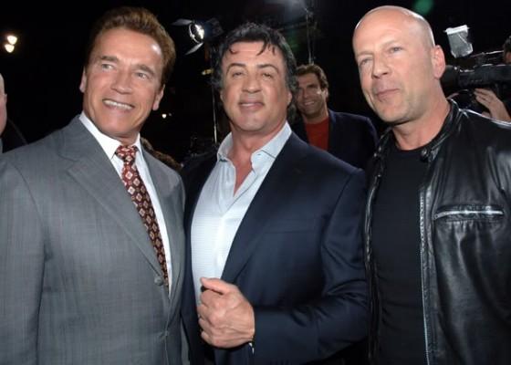 Arnold Schwarzenegger Bruce Willis y Sylvester Stallone con Planet Hollywood