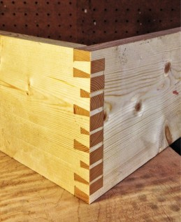 Hand-Cut Houndstooth Dovetails