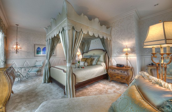 Disneyland Hotel Signature Suites