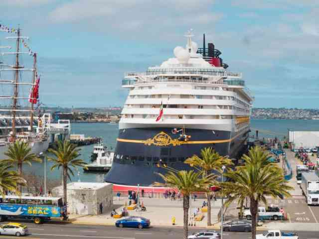 Disney Cruise Wonder