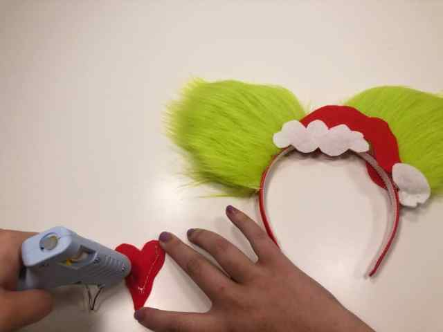 How to Make Disney Christmas Ears