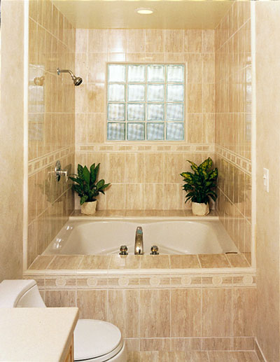 Bathroom Remodeling Ideas for Small Bathrooms on Ideas For Small Bathrooms  id=25465