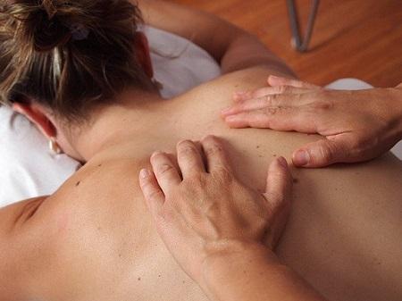 Muguras masāžas priekšrocības