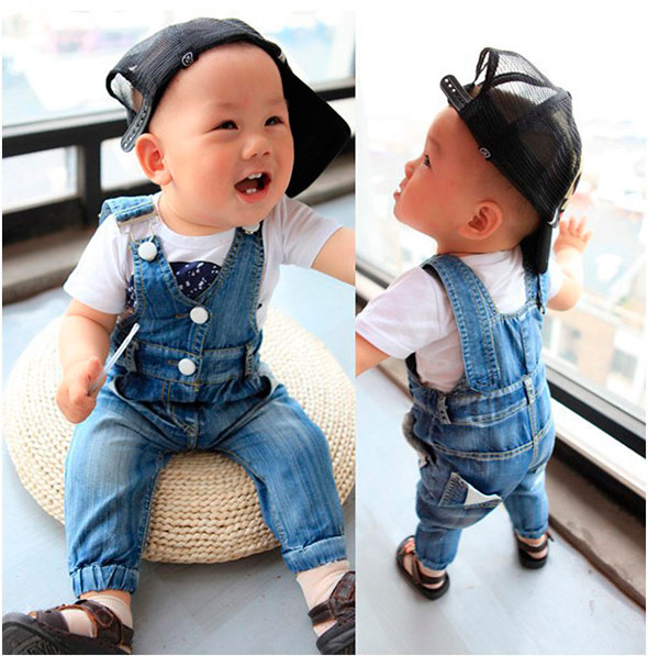 overalls-for-the-child-for-everyday-wear