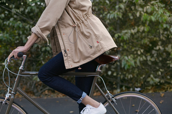 Levis-Commuter-for-women-2