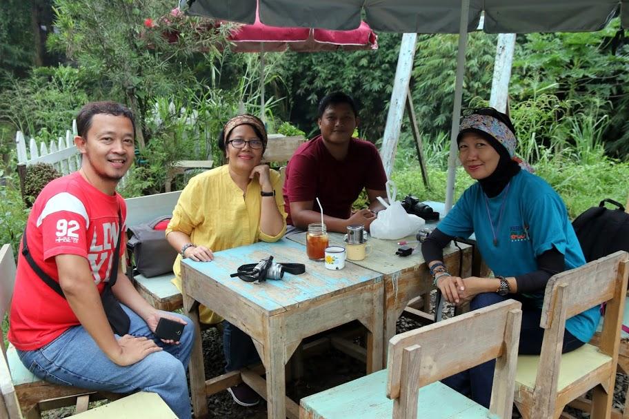 Warkop Modjok Bandung Dan Sore yang Romatis