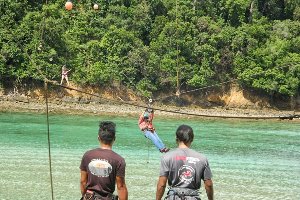 Melintas dari Pulau Gaya ke Pulau Sapi