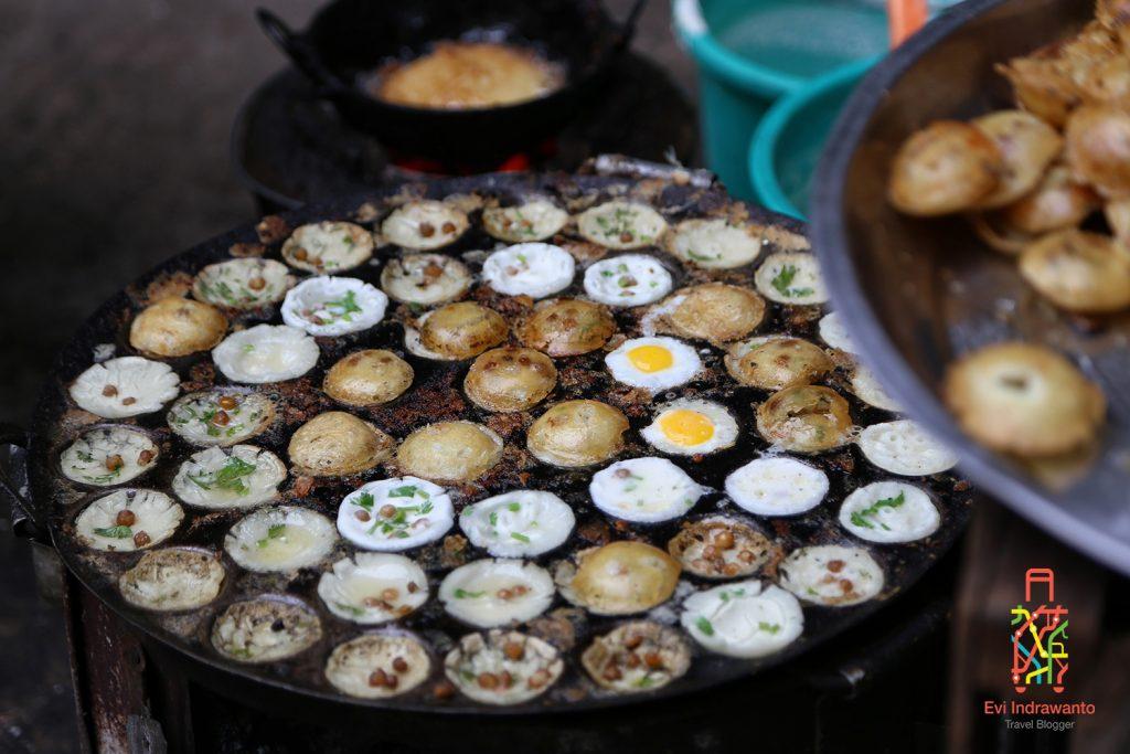 Pancake telur? Makanan khas Myanmar