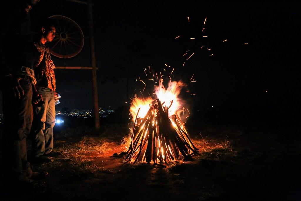 Api Unggun di Baturaden