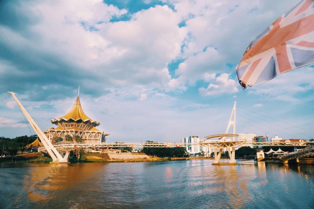 Bertemu kembali dengan ikon Kota Kuching