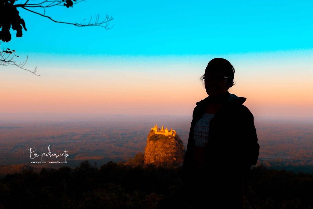 Perjuangan Membuat Foto Sunrise dari Mountain Popa Resort