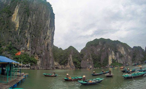 Tukang perahu Halong Bay