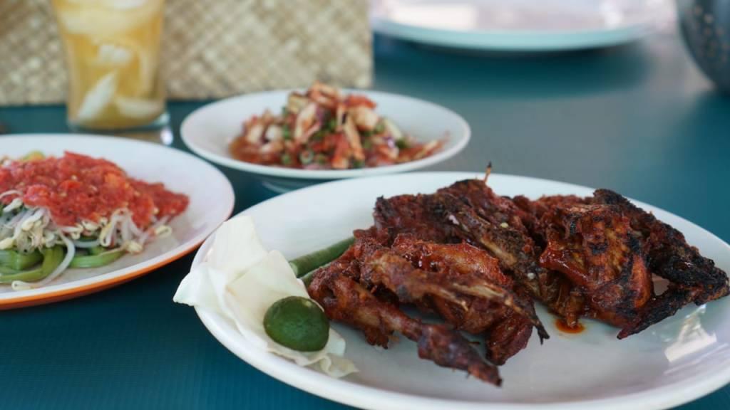 Ayam Taling Makanan Khas Lombok
