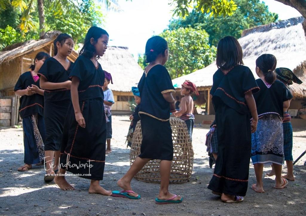 Permainan anak-anak Lombok