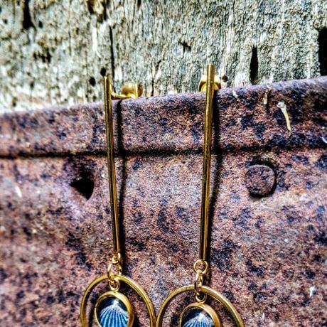 boucles tiges dorées art deco bleue
