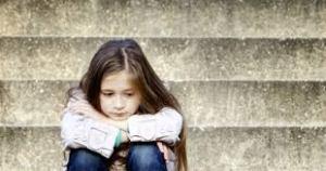 J'ai peur que ma petite fille de 5 ans n'ait été secouée par un décès
