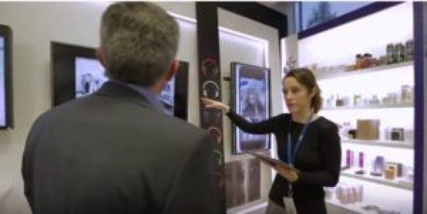 Outils cognitifs destinés aux commerçants : tablettes et écrans de démonstration (photo IBM).