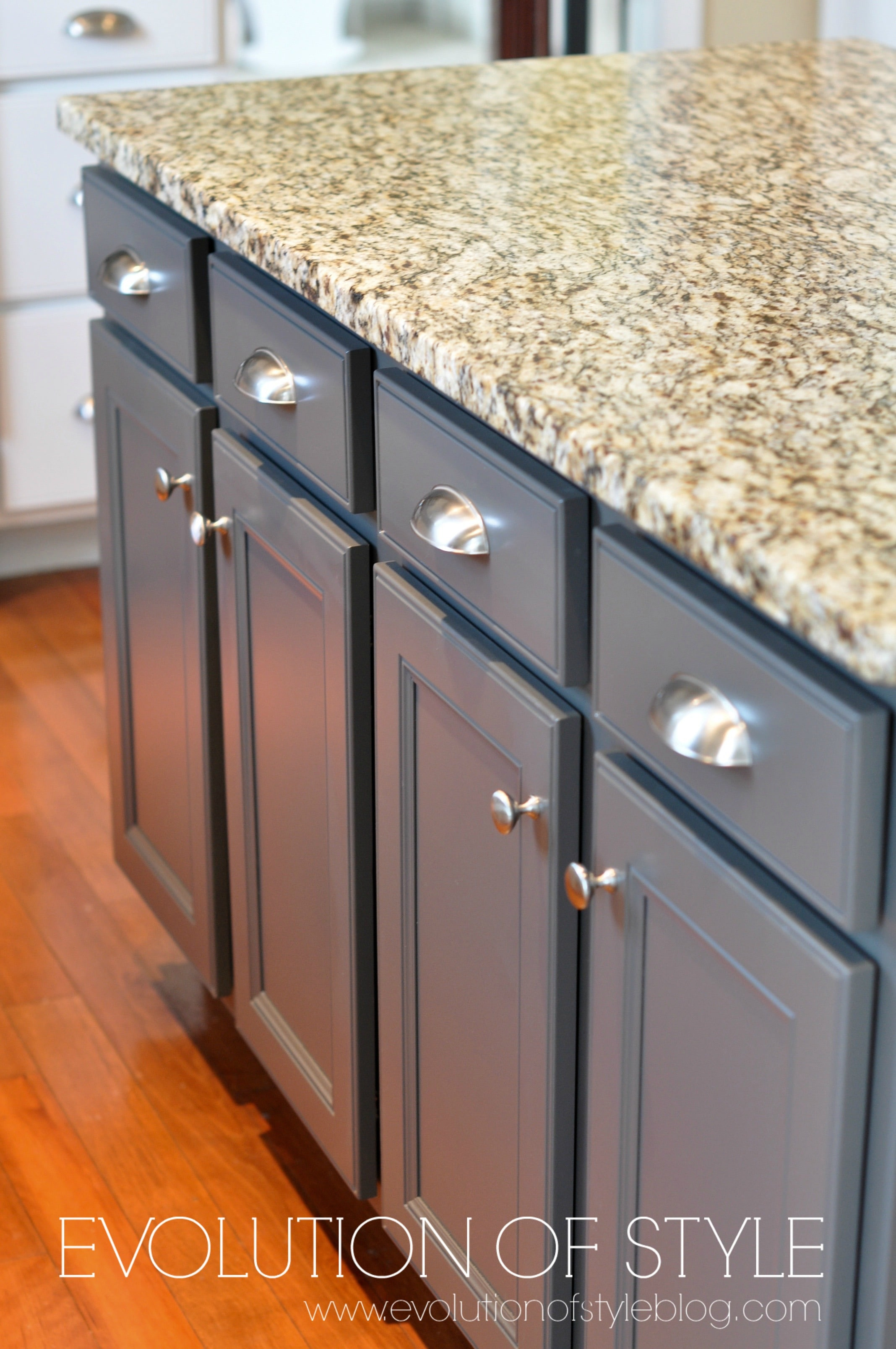 Charmant How To Paint Oak Cabinets White