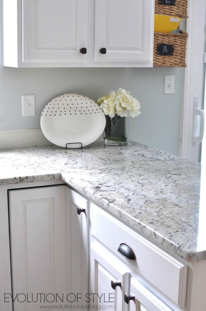 super white kitchen after3