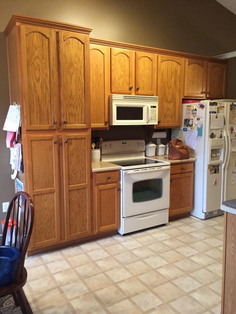 oak-kitchen-before-gray3