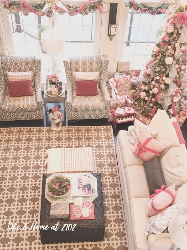 12 Days of Holiday Homes - Life and Home at 2102
