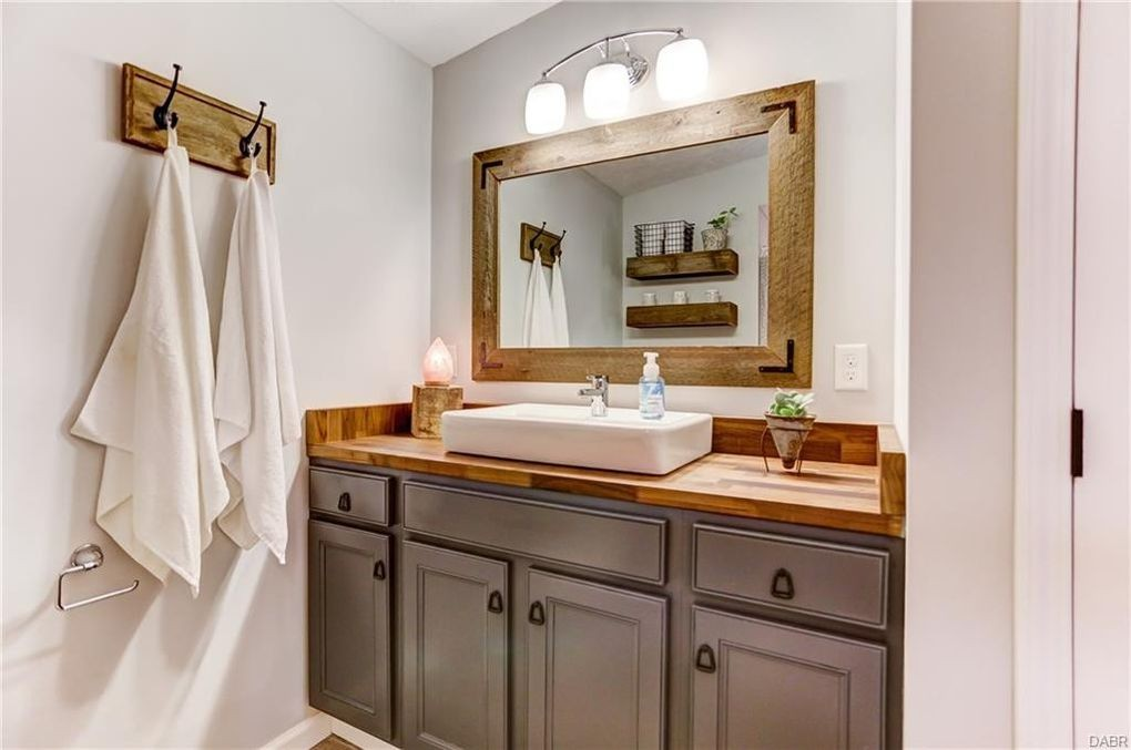 A Stunning 1960s Ranch House Remodel - Evolution of Style on ranch house traditional, ranch house dining room, ranch kitchen designs, ranch house fireplaces, latest washroom designs, ranch house architecture, ranch house kitchen cabinets, ranch house remodeling, ranch house painting, ranch house decoration, ranch house interior design, ranch house beds, ranch house lighting, ranch house bathroom makeover, ranch office designs, ranch house furniture, ranch house paint, ranch house hardware, ranch house builders, ranch house bedroom,