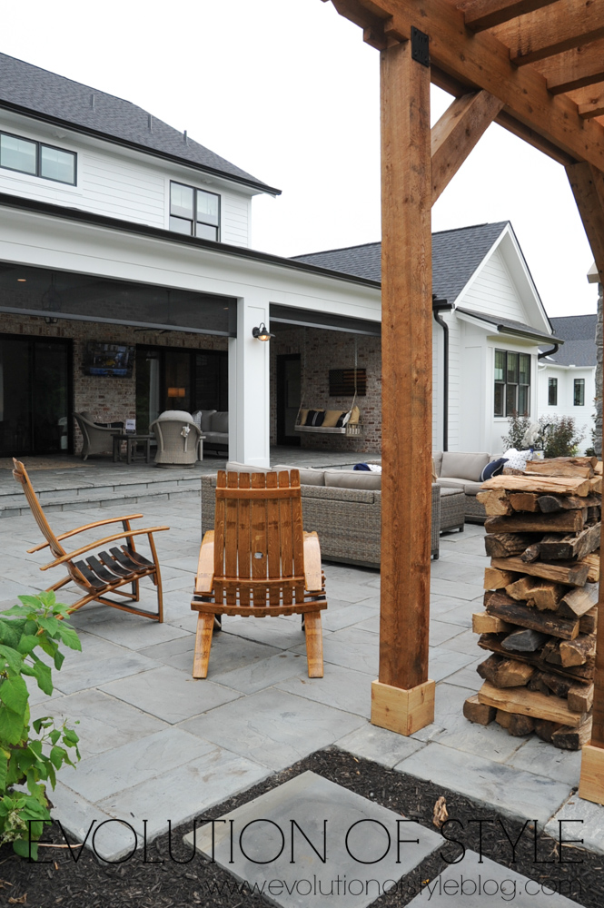 Modern farmhouse backyard entertaining area