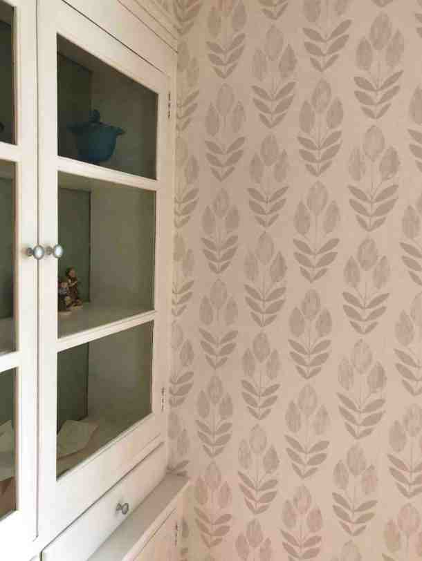 Tulip Wallpaper from Beacon House in Dining Room