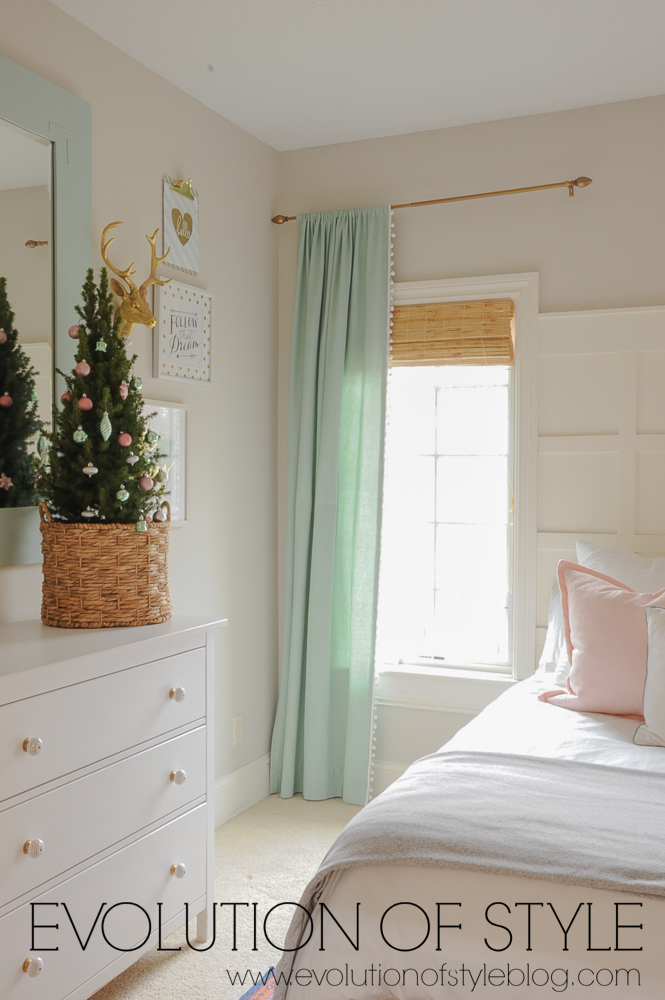 Girl's Room Holiday Decorating