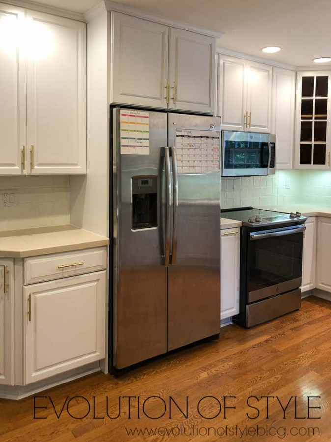 Benjamin Moore Decorator's White Cabinets - Before and After