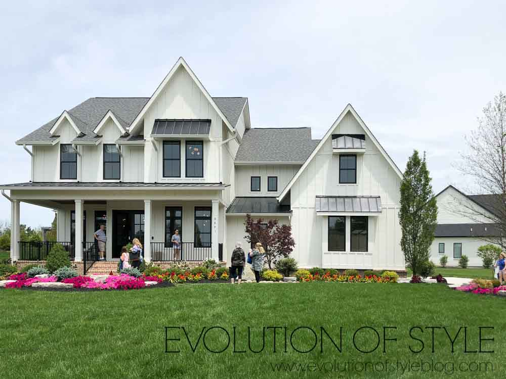 Modern Farmhouse Exterior