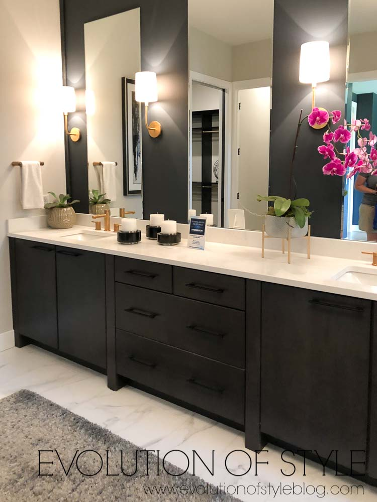 2019 Homearama - The Breckenridge - Master Bathroom