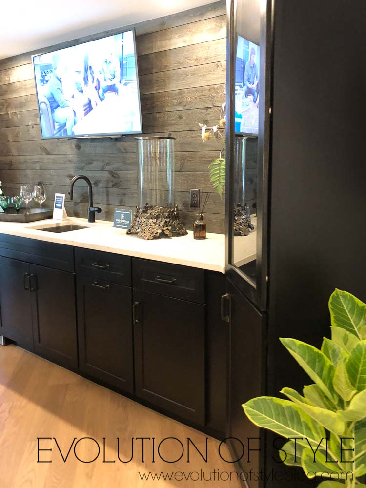 2019 Homearama - The Breckenridge - Basement Bar
