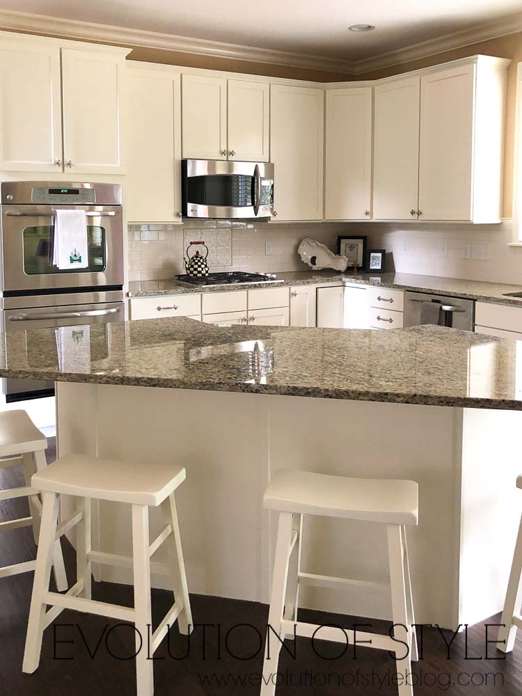PPG's Edelweiss Kitchen Cabinets
