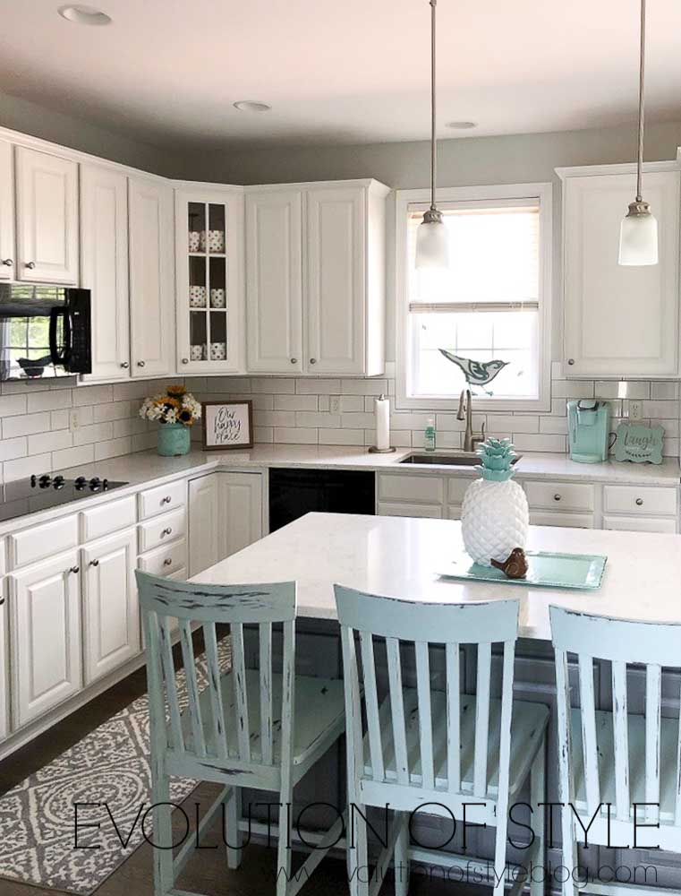 Cabinets Painted in Sherwin Williams Pure White