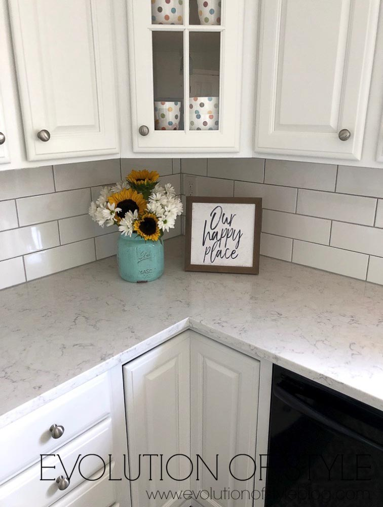 Pure White Kitchen Cabinets with White Subway Tile