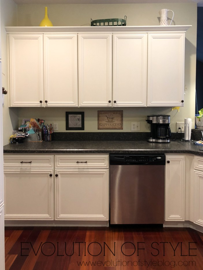 Benjamin Moore - White Dove - Warm White for Kitchen Cabinets