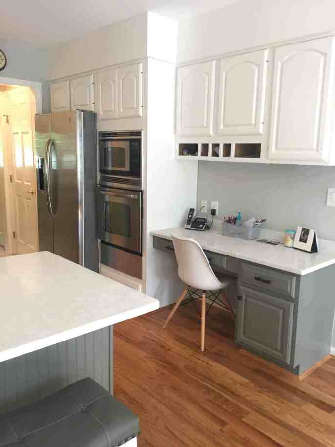 Two toned kitchen Simply White and Chelsea Gray