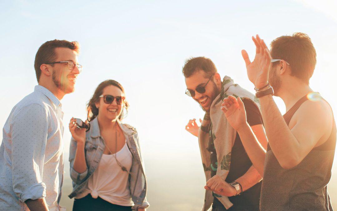 Comment améliorer sa communication grâce au ton et au langage corporel?