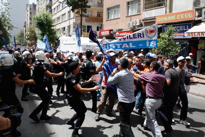 Mersin'de cam işçisine polis saldırısı