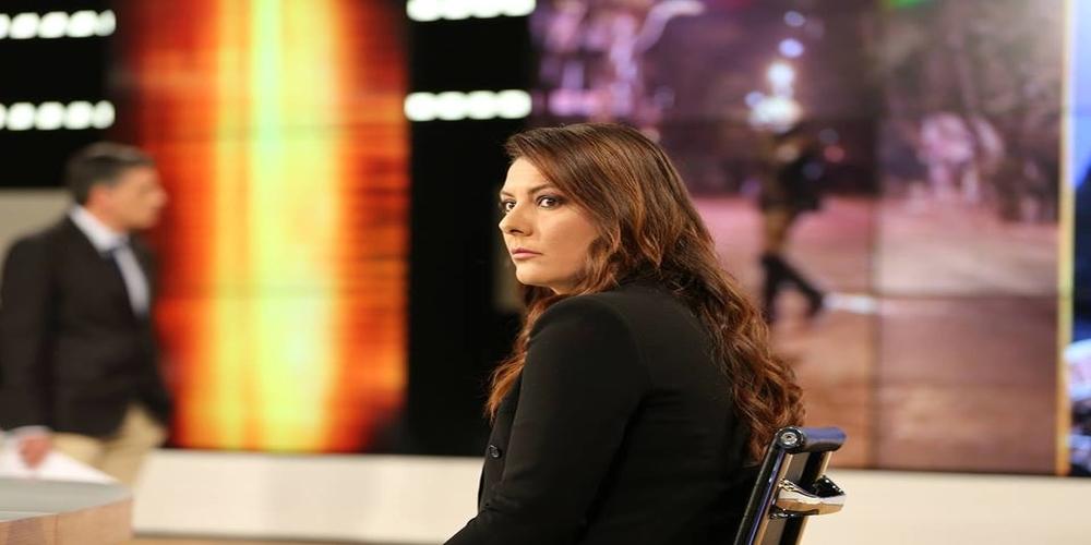Ανδριάνα Ζαρακέλη: Το όμορφο κορίτσι της δημοσιογραφίας από τις Φέρες Έβρου