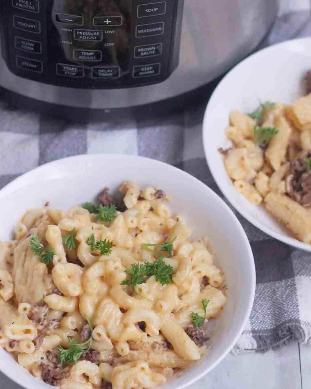 Crock Pot Express Crock Multi Cooker Oxtail Mac And Cheese Evs Eats