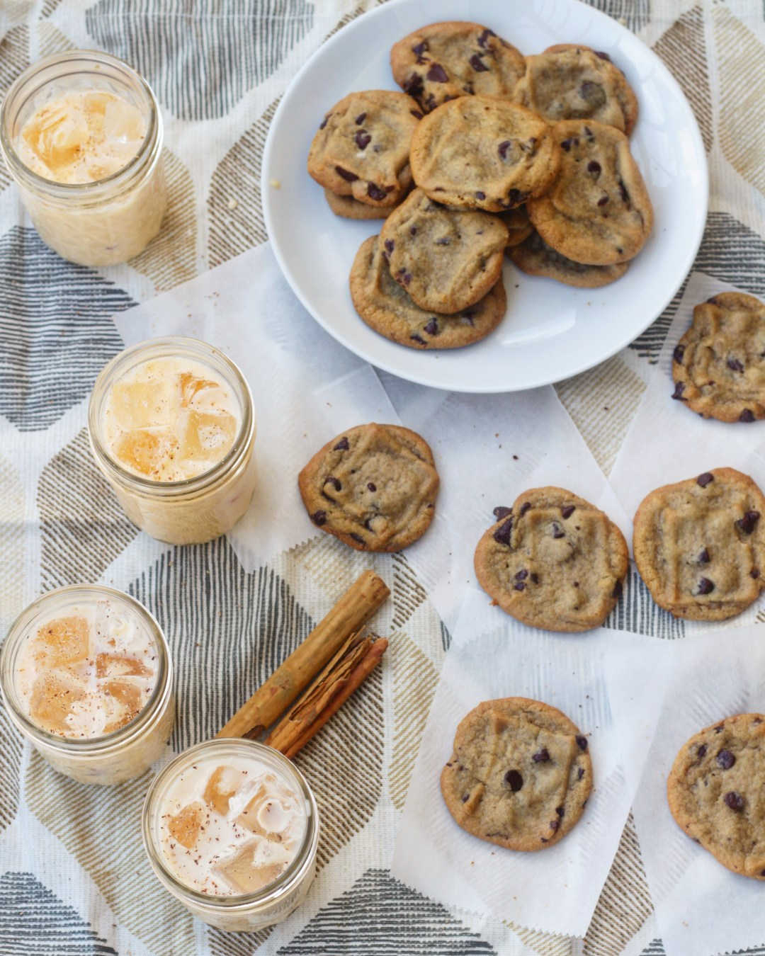 Rumchata Eggnog Latte – The Perfect Cocktail for a Chocolate Chip Cookie