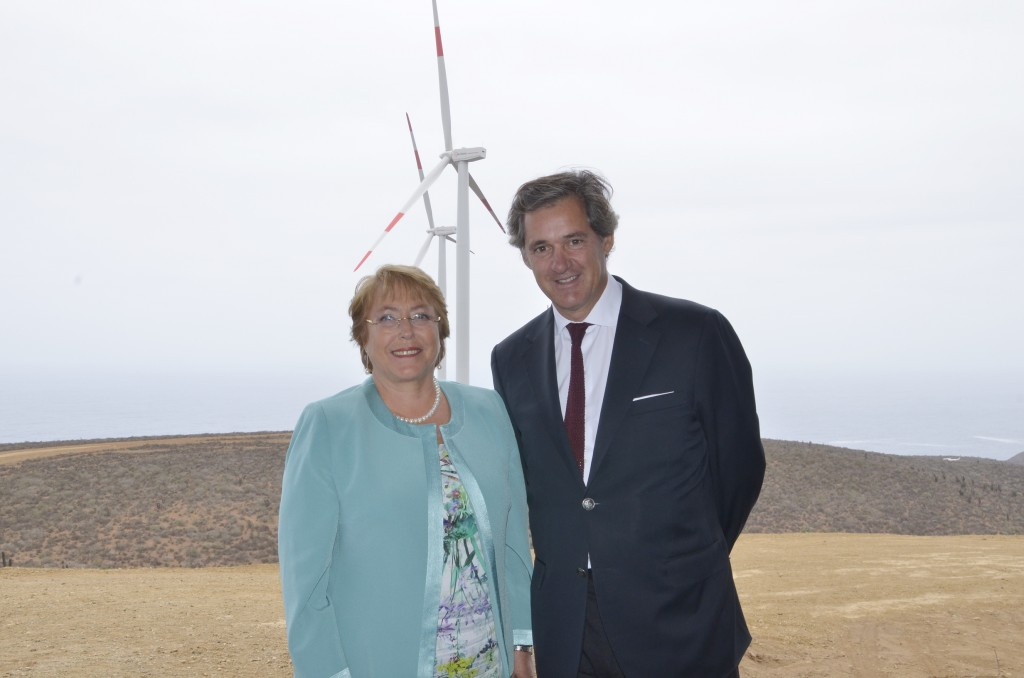 Eólica en Chile: Michelle Bachelet inauguró parque eólico de Acciona.